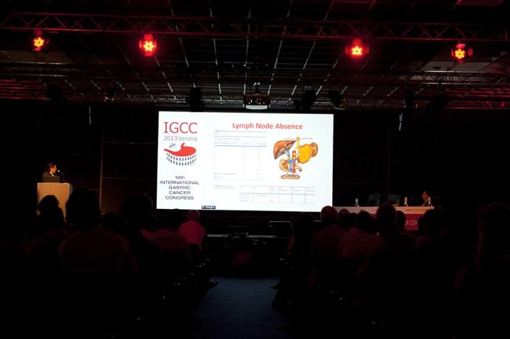 10. Dünya mide kanseri kongresinde, Mide cerrahisinde genişletilmiş lenf adenektomi tekniğinin otorleri yaptıkları çalışmaları ve deneyimlerini paylaştılar.